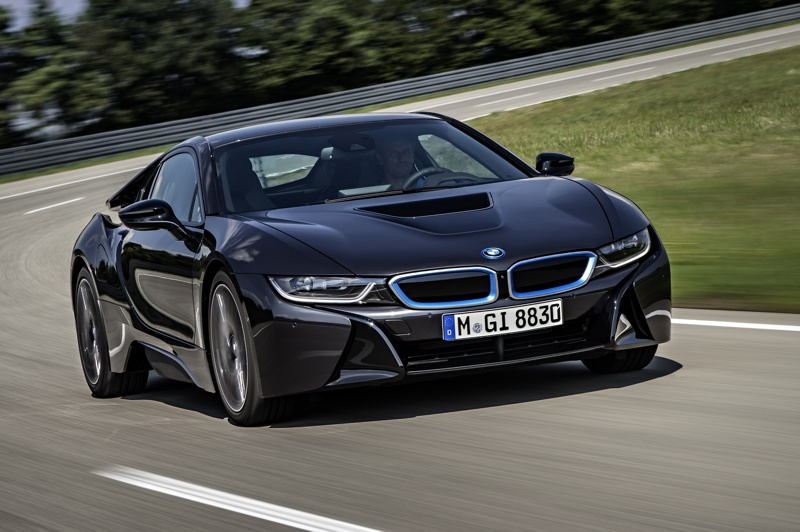 SHOT Magazine BMW I8 1