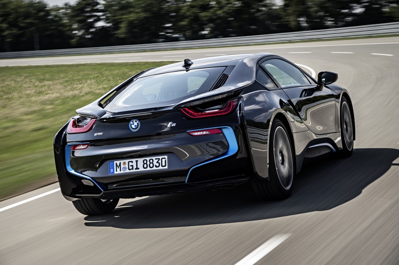 SHOT Magazine BMW I8 2