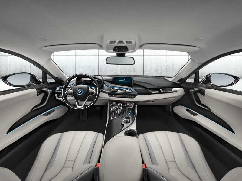SHOT Magazine BMW I8 7