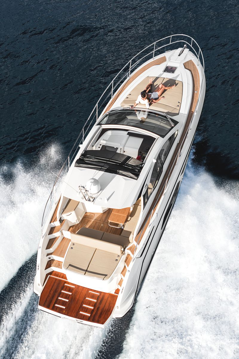 Shot magazine Azimut Atlantis43 3